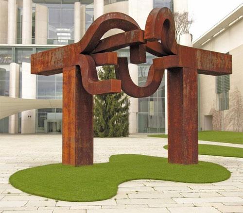 """Chillida: Skulptur """"Berlin""""; vor dem Bundeskanzleramt, Berlin"""