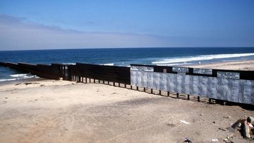 Mexiko - USA: Eine Mauergeschichte
